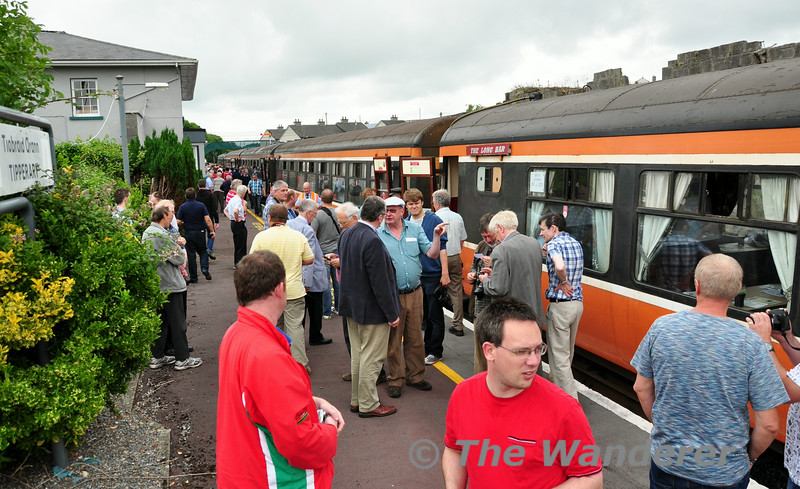 Passengers of the tour at Tipperary. Sat 19.07.14