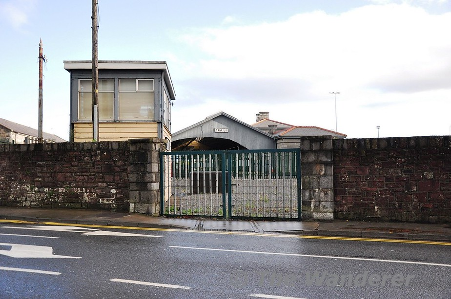 The Fenit and North Kerry Line starts with an end on junction with the railway line to Mallow at Tralee. This is Edward Street level crossing looking at the station and former signal box. Sat 17.11.12